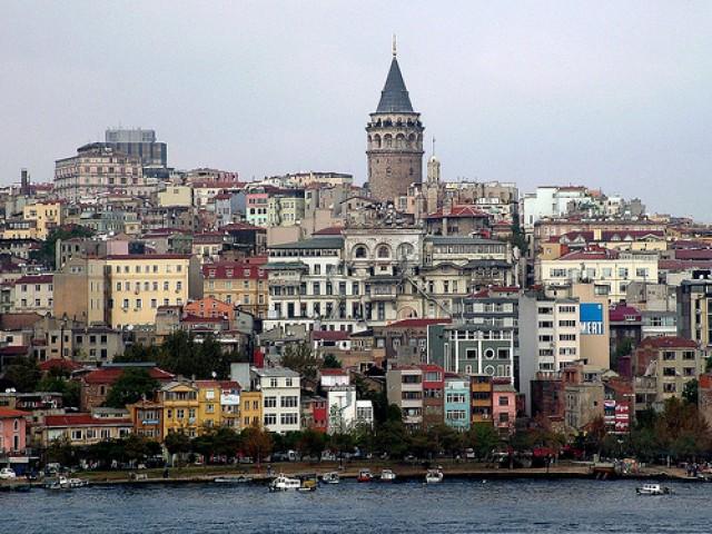 MAGAZINE : ISTANBUL, SES MARCHES, SA GASTRONOMIE… ET SESMINARETS