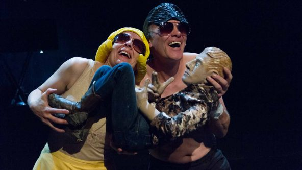 AVIGNON OFF 18 : « LOVING THE ALIEN », Cie FREAKS UND FREMDE