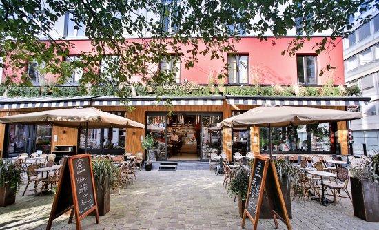 AU CAFE BEGUIN, «IREME», DIRECTEMENTE DECUBA
