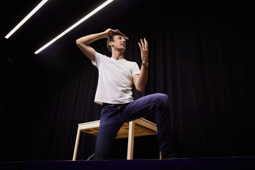 FESTIVAL D'AVIGNON : LE «PHEDRE !» DEJANTE ET JOYEUSEMENT PERFORMATIF DE FRANÇOISGREMAUD
