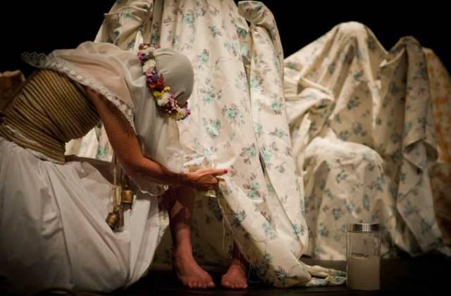"""UNE COSTILLA SOBRE LA MESA: MADRE"" : ANGELICA LIDDELL,  PASIONARIA IBERIQUE"